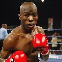 Page Tshesane boxer