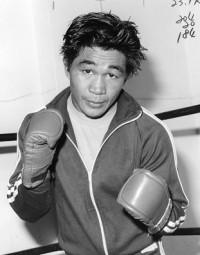 Bert Nabalatan boxer