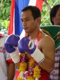 Nare Yianleang boxer