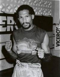 Bernardo Pinango boxer