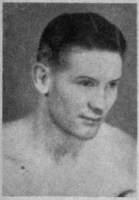 Walter Momber boxer