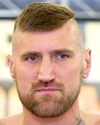 Mariusz Wach boxer
