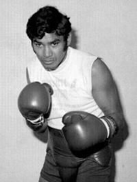 Ruben Navarro boxer