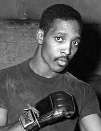Adrian Davis boxer