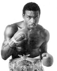 Lindell Holmes boxer