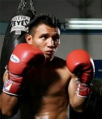 Wilbert Uicab boxer