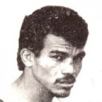 Luis Monzote boxer