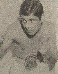 Carlos Aro boxer