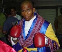Juan Camilo Novoa boxer