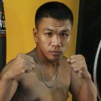 Rogen Flores boxer