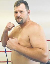 Donovan Luff boxer