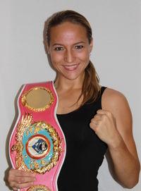 Ramona Kuehne boxer