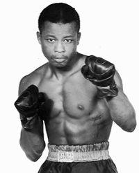 Artie Towne boxer