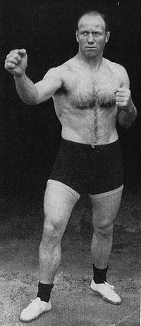 Colin Bell boxer