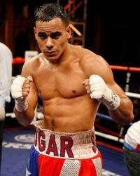 Edgar Santana boxer