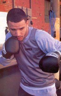 Aaron Torres boxer