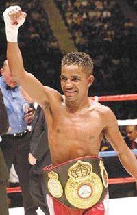 Lorenzo Parra boxer