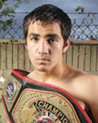 Ronny Rios boxer