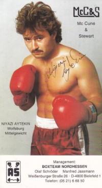 Niyazi Aytekin boxer
