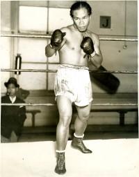 Joe Mendiola boxer