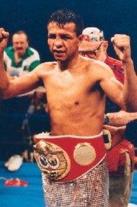 Manuel Medina boxer