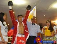 Dennis Laurente boxer