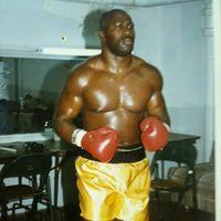 Melton Bowen boxer