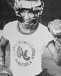 Luis Estaba boxer
