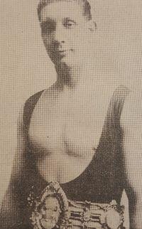 Tom Gummer boxer