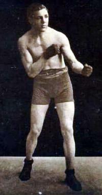 Gus Platts boxer