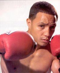 Freddy Curiel boxer