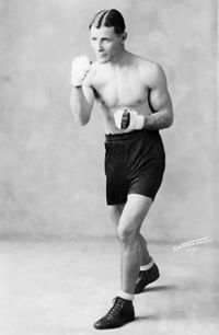 Tommy White boxer