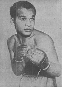 Wayne Powell boxer