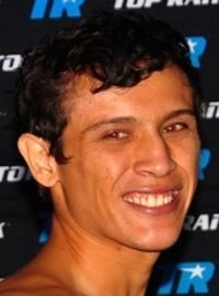 Luis Solis boxer
