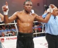 Roamer Alexis Angulo boxer