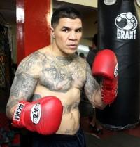 Armando Robles boxer