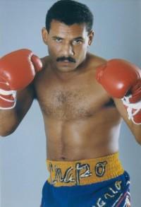 Edwin Rosario boxer