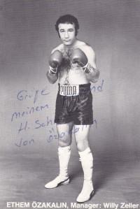 Ethem Oezakalin boxer