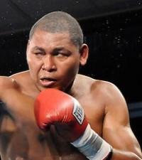 Hugo Pineda boxer