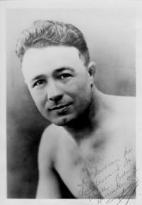 Pierre Momont boxer