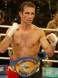 Oktay Urkal boxer