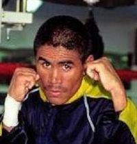 Noel Arambulet boxer