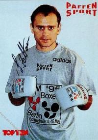Zoltan Lunka boxer
