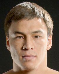 Batyrzhan Jukembayev boxer
