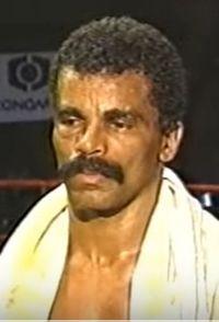 Carlos Henriquez Alves boxer