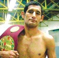 Roberto Lopez boxer