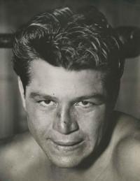 Tomboy Romero boxer