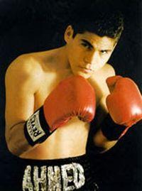 Ahmed Santos boxer
