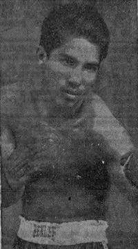 Mario Loaiza boxer