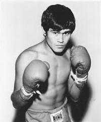 Jose Luis Ramirez boxer